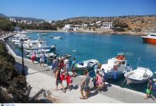 Photo of Greek Gov't expects tourism at half the record levels of 2019